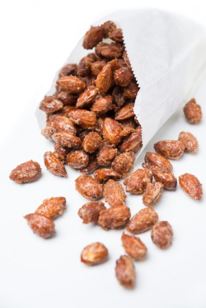 Shutterstock roasted almonds Bildnummer:171640280 Urheberrecht: kitty